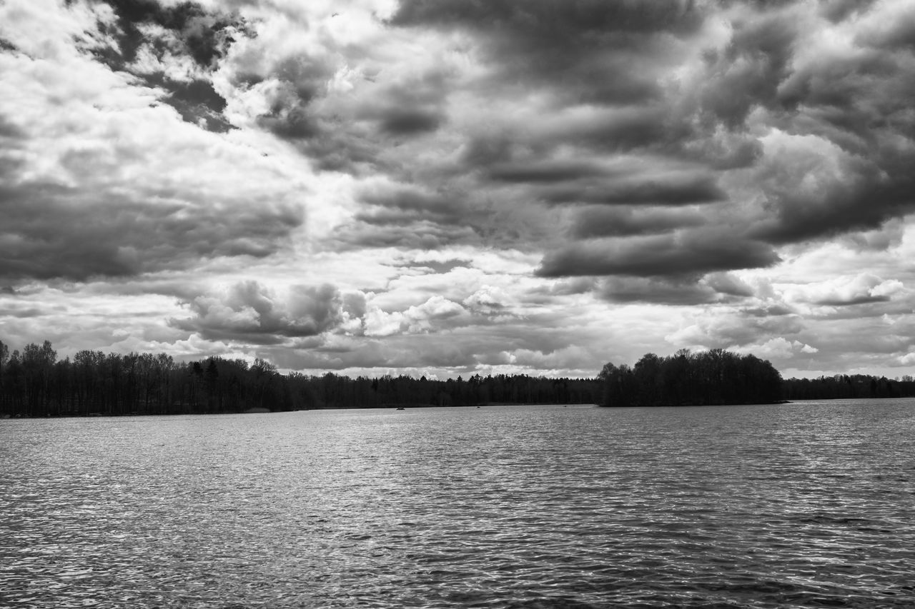 Beauty In Nature Black & White Black And White Blackandwhite Break Dancing  Break The Mold Cloud - Sky Day Dramatic Sky Drastic Edit Exceptional Photographs EyeEm Masterclass Lake Nature No People Outdoors Rippled Scenics Sky Storm Cloud Tranquil Scene Tranquility Water Waterfront Weather