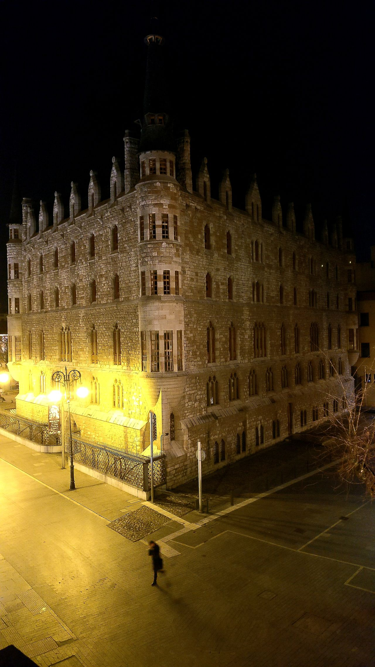 Palacio de Botines Architecture City Night Building Exterior Illuminated LeonEsp  Nightphotography Night Lights