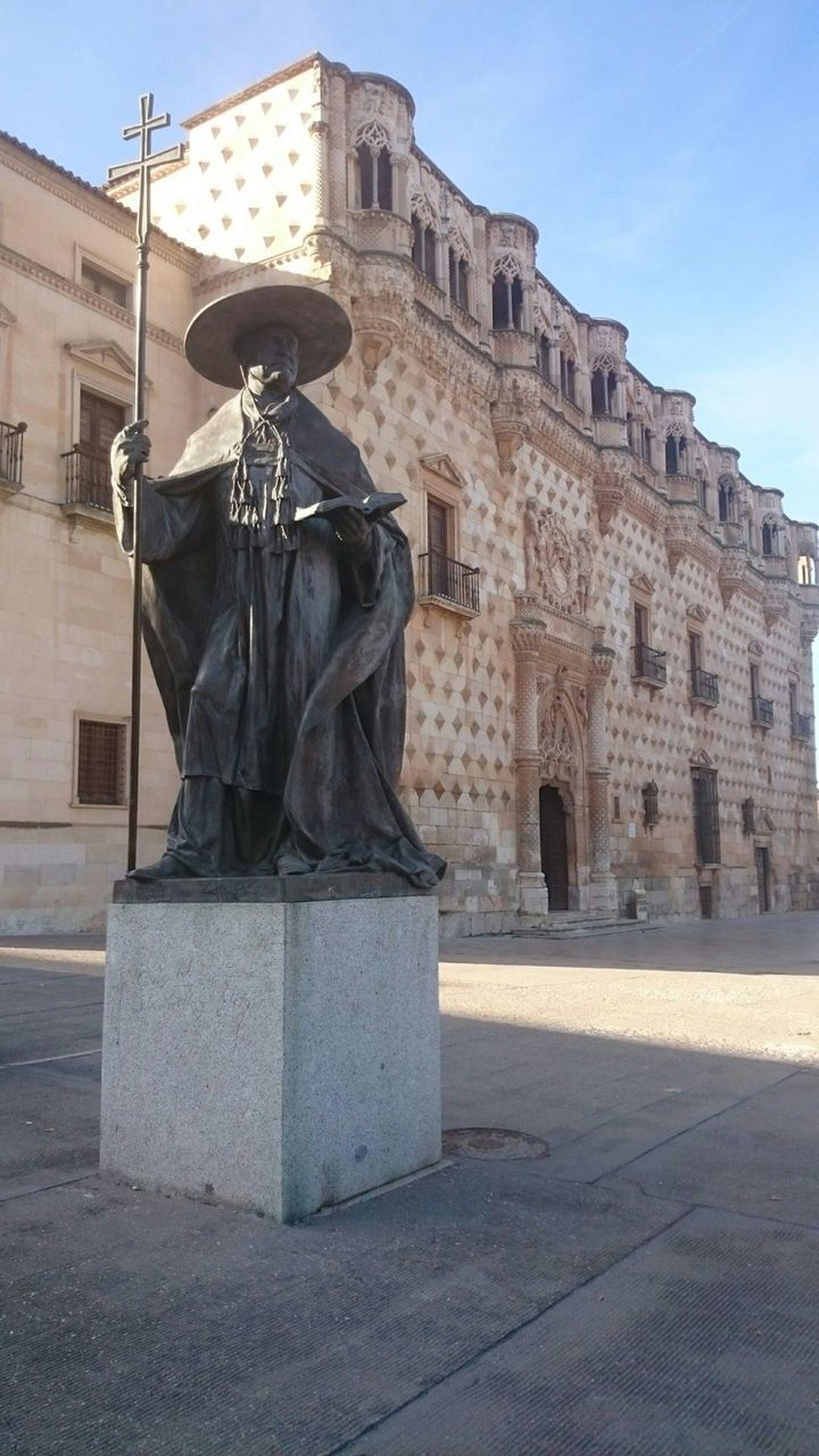 Fachada Y Escultura Cardenal Mendoza The Traveler - 2015 EyeEm Awards Palais Palacio Palazzo Palace Palacio Del Infantado