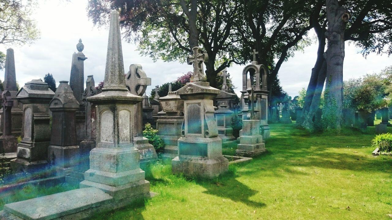 Glasnevin Glasnevin Cemetery The Week On EyeEm Holding A Seance Eternal Peace Rest In Peace Historical Sights Dublin, Ireland EyeEm Best Shots Dublin