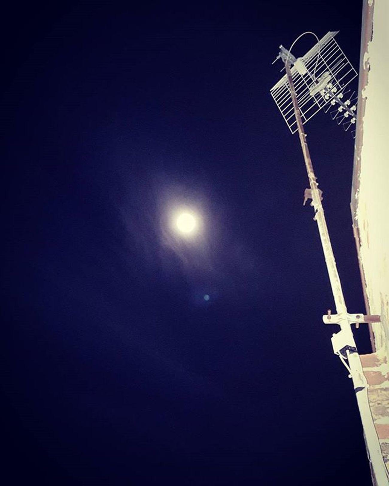 Moon....🌚🌚 Moon Moonlight Fascinating Fascinodellaluna Notte Luna