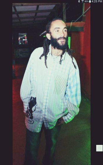living it up in New York City Rastamanvibration Rastaman For The Love Of Music Jamaica Mon do your thing papi ! Lovelovelove Check This Out Hip Hop Nation 4 Life Enjoying Life Party In The Usa Good Vibrations Walk Around New York City NYC Positive Vibrations