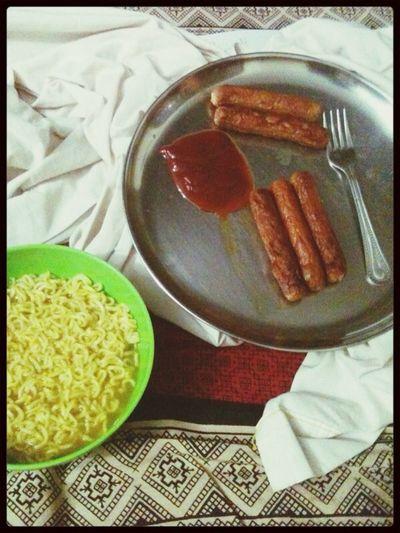 The EyeEm Breakfast Club Sausage noodles