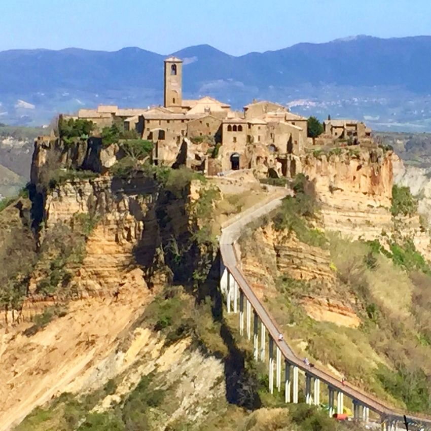 Civita Civitabagnoregio Civitadibagnoregio Civita Di Bagnoregio Stonewall Stone Stonework Architecture Architecture_collection Architectural Detail Ancient Civilization Ancient Architecture Ancient City Ancient Building Ancient Town Italy Italia Italy❤️ Italy🇮🇹 Tourist Attraction  If ever you are visiting Italy, this ancient town should be on your itinerary, it's not far from Rome and is absolutely delightful. Its history dates back to BC, it is so worth the visit 💕💕