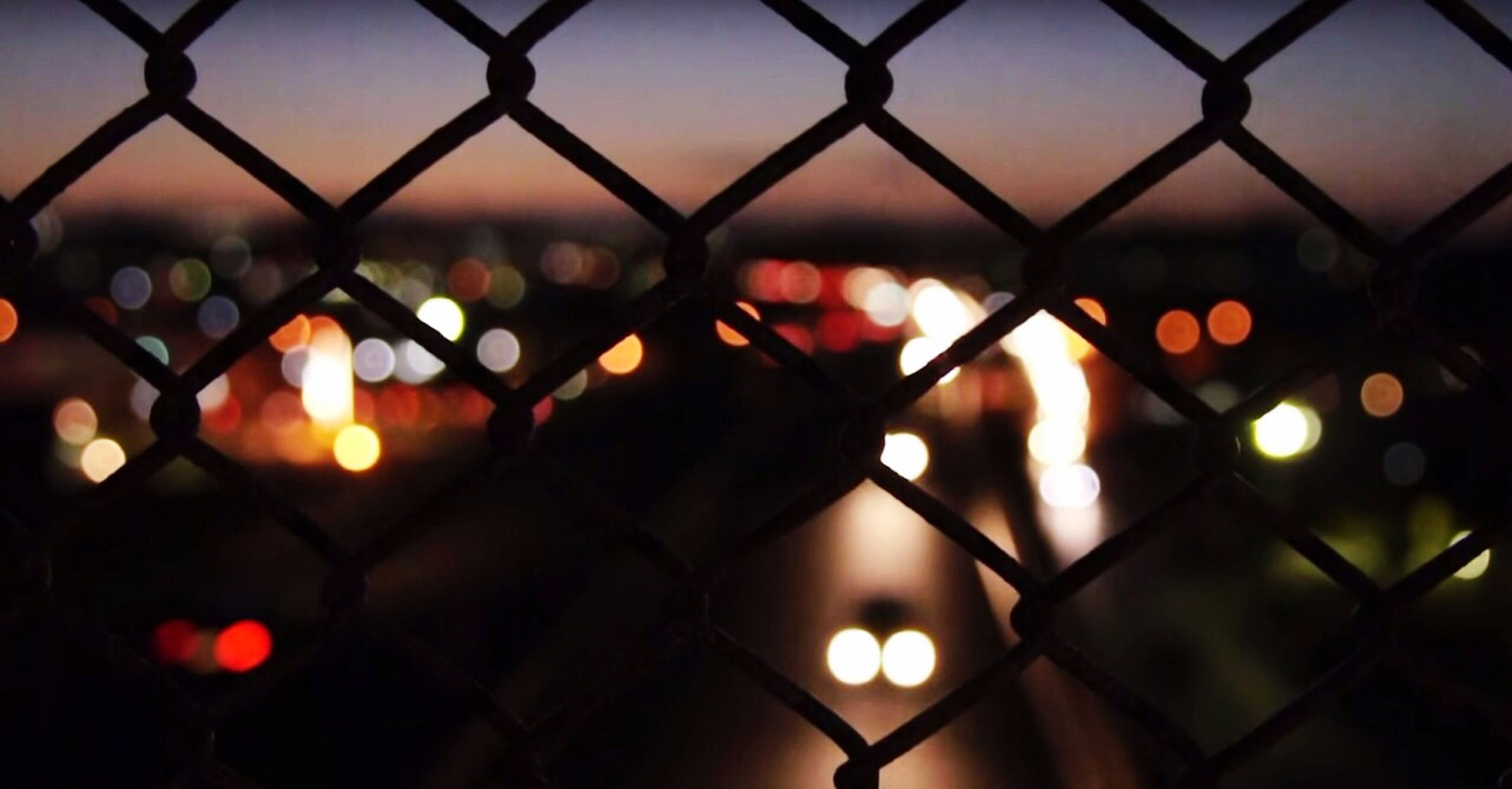 chainlink fence, fence, protection, safety, security, focus on foreground, silhouette, sunset, backgrounds, metal, full frame, pattern, close-up, illuminated, sun, no people, nature, outdoors, sunlight, lighting equipment