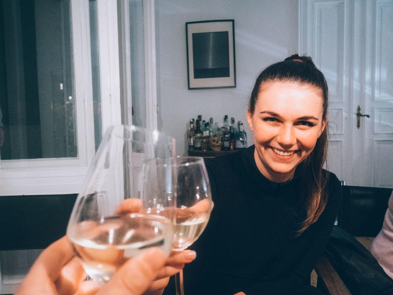 Beautiful stock photos of wine, Berlin, Bonding, Casual Clothing, Caucasian Ethnicity