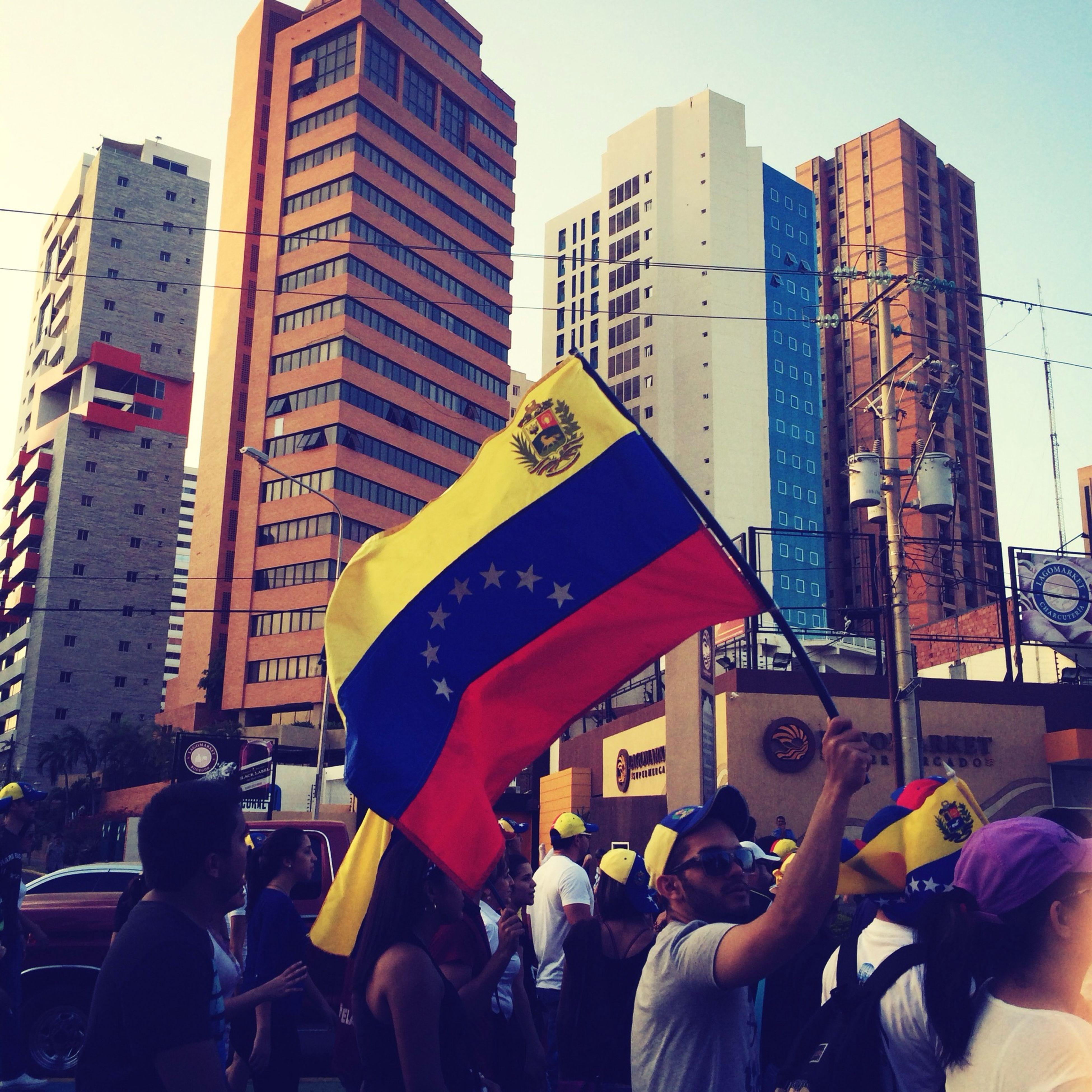 Los Colores Que Nos Mueven Venezuela Maracaibo Prayforvenezuela Adapted To The City Adapted To The City