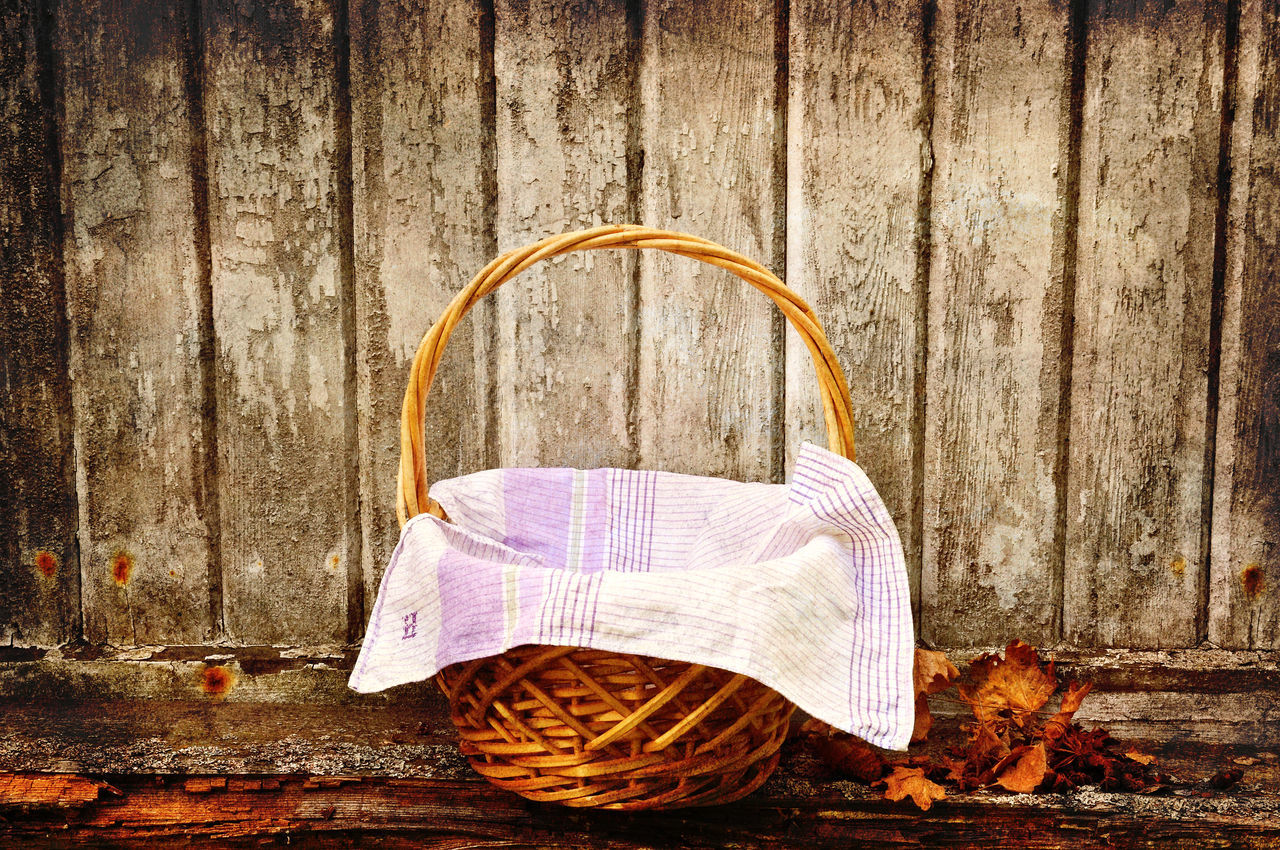 Picknic basket, vintage style. Basket Close-up Day Deterioration No People Old Old Fashioned Outdoors Picknic Basket Picknick Still Life Vintage Wooden