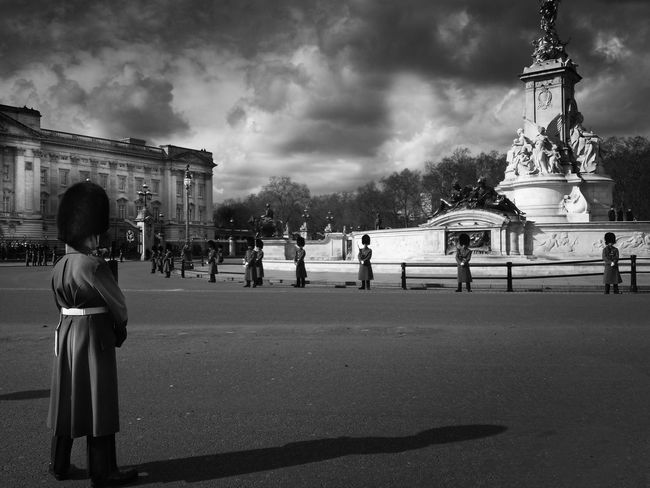 Stand Easy Bearskin Black And White Blackandwhite Buckingham Palace City City Life Cloudy Group Of People Guard July London Monochrome Outdoors Parade Shadow Showcase: July Sky Soldier Tourism Travel Destinations Uniform