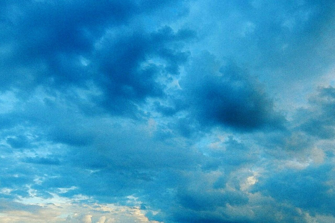 небо⛅️ облака природа и красота Nature No People Beauty In Nature красиво Animal Themes Domestic Animals Swimming Water