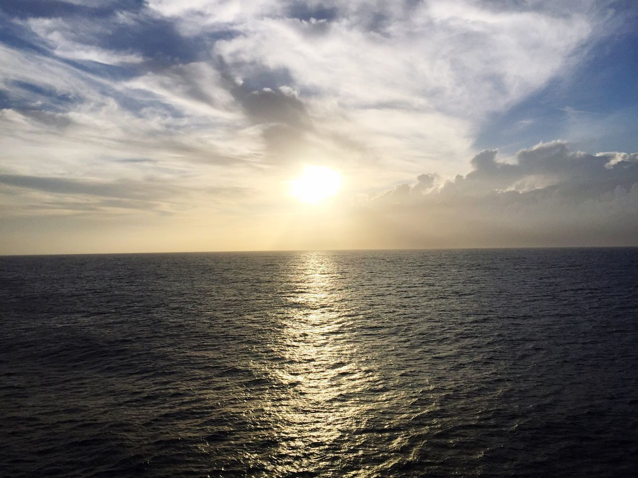 sea, sunset, sun, water, scenics, horizon over water, tranquility, sky, nature, beauty in nature, tranquil scene, idyllic, reflection, sunlight, no people, outdoors