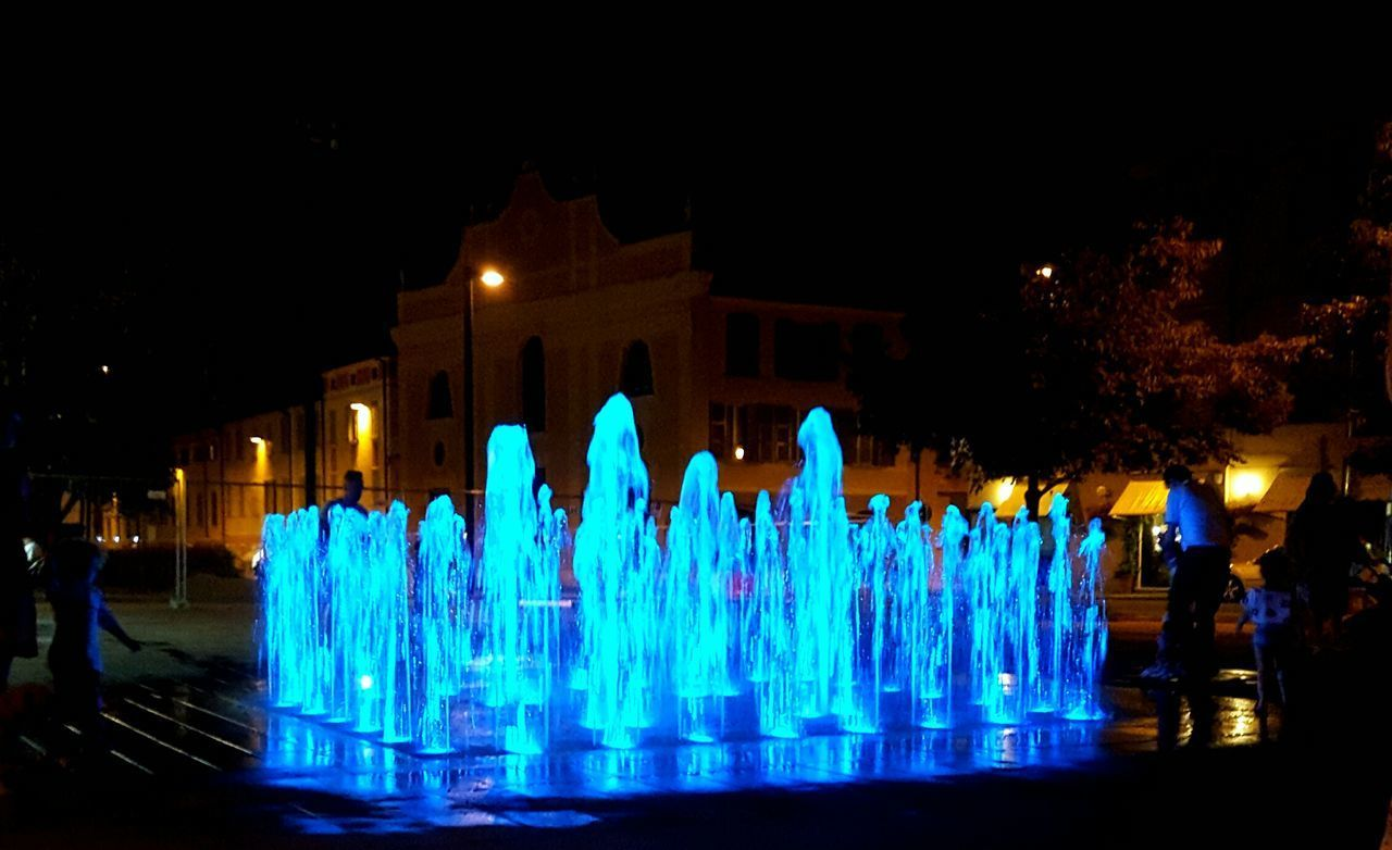 Water Fountain Blue Plaza