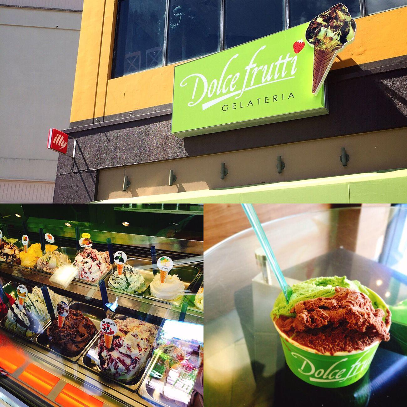 Hafa Adai! 最後のクーポン券を使うべく、てくてく歩いて向かった先は、アイスクリーム屋さん♡ 作りたての絶品ジェラートが嬉しい【Dolce Frutti ドルチェ・フルッティ】です✧ もひとつ嬉しいことに、ふたつの味が選べるという素敵なクーポン✧ たくさん種類があって迷った〜●´ᆺ`●♪ せっかくだからグアム味のモノを選びたかったけど、お決まりの暑さと歩き疲れで、無難に食べ慣れた味をチョイスしてしまった。泣 ちなみに、チョコレートと抹茶。 ボリューミーさはアメリカンだけど、もう少し味に冒険したかったと後悔… でも、チョコレートも抹茶もシンプルにおいしくて、混ざってもへっちゃらなジェラートでした✧ これがクーポンで食べれるなんて、最高じゃないか!✧ おじさま店主さんもやさしい日本語対応なので、良い良い♪ ただ、クーポンだけでこのボリュームとおいしさに、ちょっぴり申し訳ないような気もしたので、帰りにレジにあったビンにチップを入れて(ごちそうさまの気持ち)お店をあとにしました。 さてと。 てくてく来た道を戻りましょうか。 まだ、クーポン残ってるので。笑 つづく。 グアム Guam 旅行記 旅行 グアム日記 Dolcefrutti ドルチェフルッティ ジェラート アイスクリーム チョコレート 抹茶