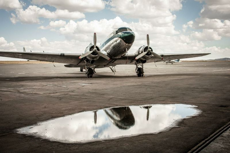 The Old Lady Aviation DC3 Plane Douglas
