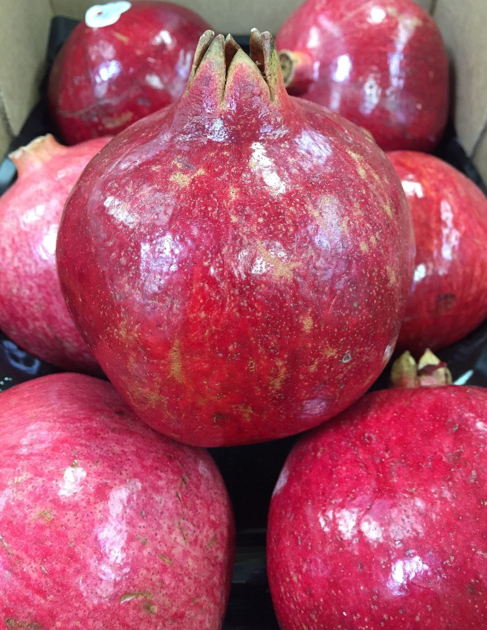 fruit, food and drink, red, healthy eating, food, freshness, close-up, apple - fruit, no people, day, healthy lifestyle, pomegranate, indoors