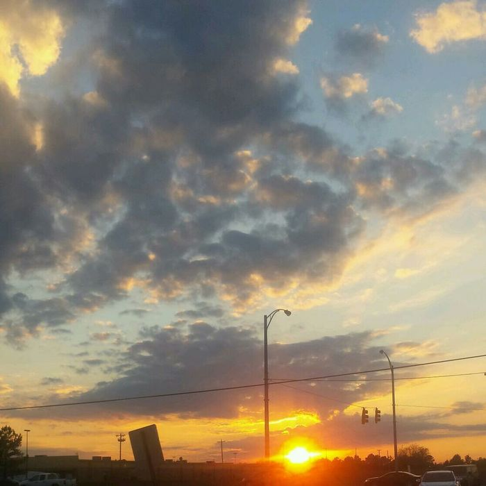 Love leaving work and seeing God's beauty all around me. After a long and horrible day, it reminds me of His Grace BeautyofGodscreation Skyscape