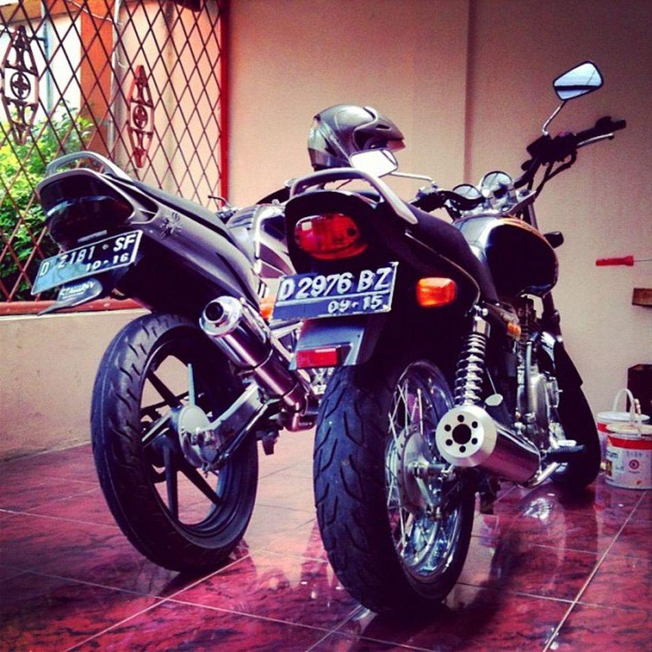 Yamaha Scorpio 225 & Suzuki Thunder 250 Iphonesia Bike Gsx250
