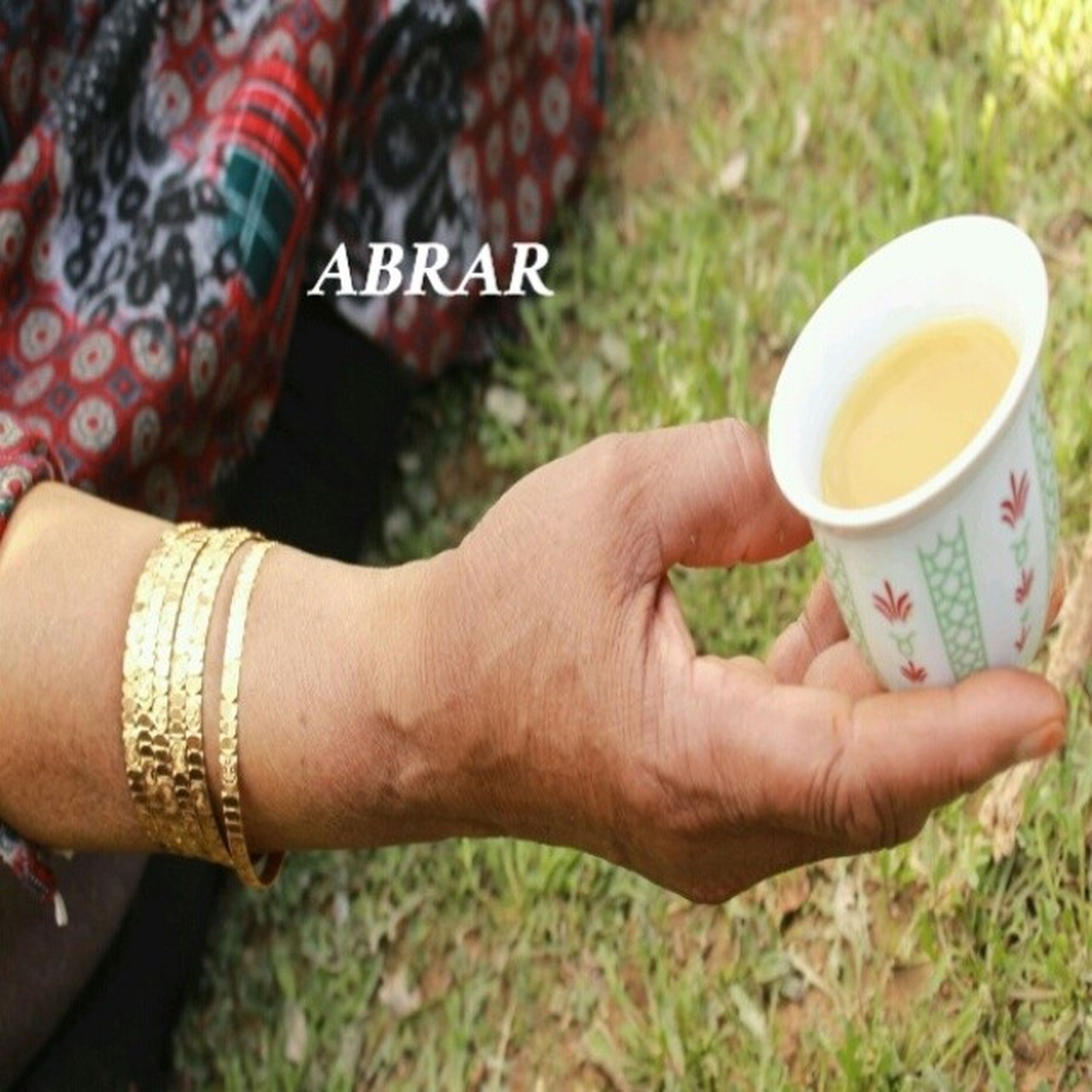 person, holding, part of, lifestyles, cropped, human finger, drink, leisure activity, food and drink, personal perspective, refreshment, unrecognizable person, men, coffee cup, focus on foreground, close-up