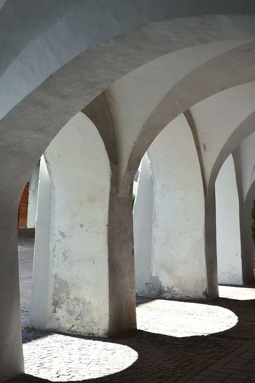 Built Structure Arch Architecture No People Outdoors Day Italy Light And Shadow Archway Symmetry Regular White Walls Stonewall Illuminated