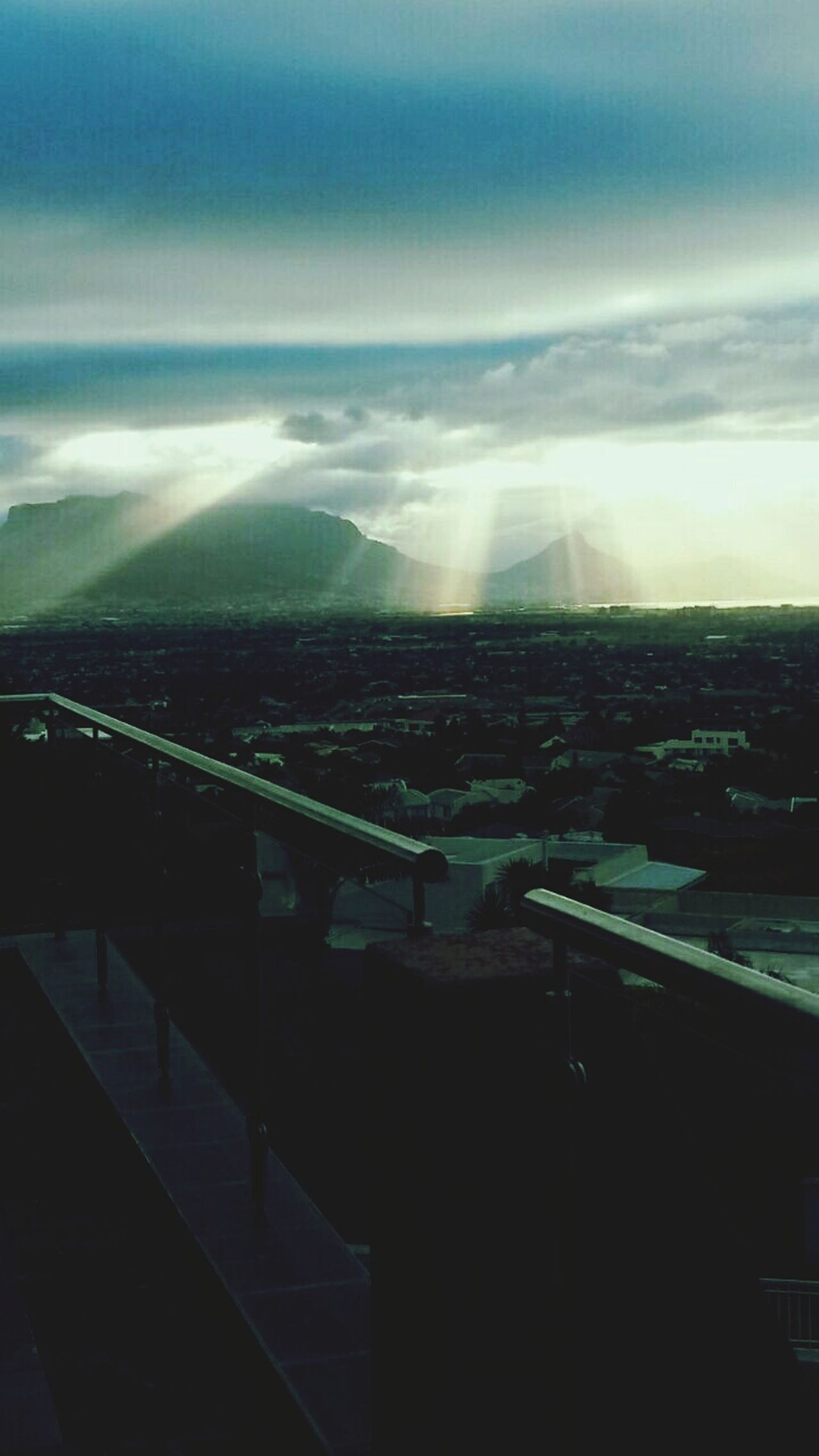 Cloud - Sky Outdoors Sky No People Nature Day Coolair Tranquility Scenics Relaxed Sunbeam Sunset Spotlight Urban Architecture Urban Geometry Urban Skyline