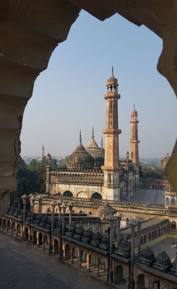 Travel Destinations Travel City Architecture Tower Built Structure Sky Outdoors Cultures Historical Monuments Lucknowdiaries Old Buildings Bara Imambara Place Of Worship Tourism Architecture Mosque Aasifi Mosque Dome Sunlight Lucknow Nawaboflucknow