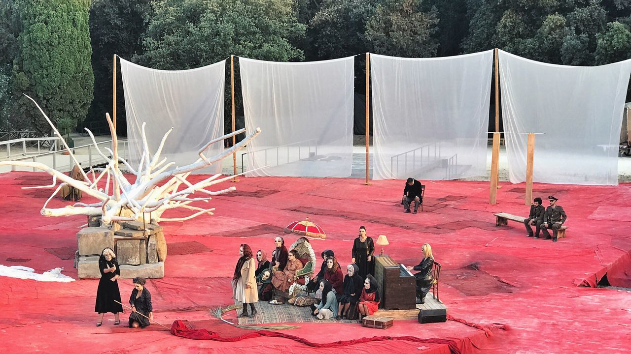 Fenicie - Greek Tragedy Teatro Greco - Siracusa Men Large Group Of People Day Full Length Outdoors Adult People Adults Only Young Adult Only Men Theater Greek Tranquility Architecture_collection Building Exterior Show