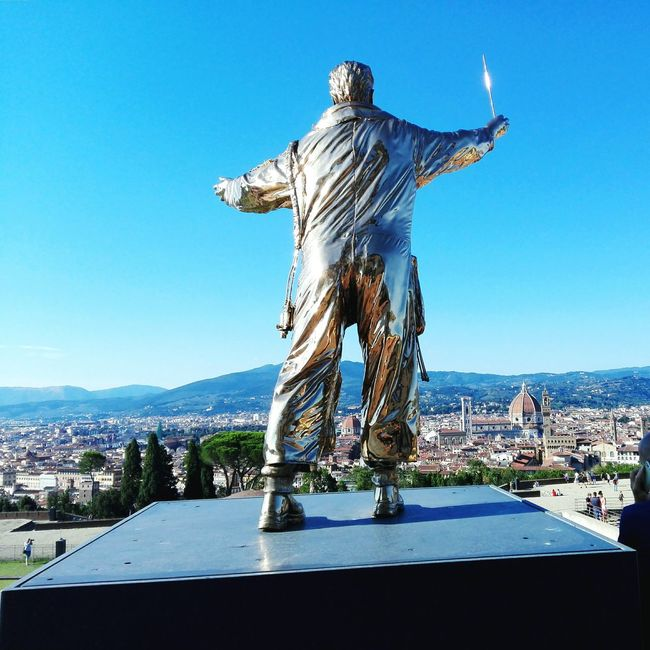 Jan Fabre, Spiritual Guards @Forte di Belvedere, Florence. Florence Italy Spiritual Guards Jan Fabre Fabre Sky Blue Sky Skyblue Blue Sun Sunny Day Sunny Sculture Art ArtWork Landscape Firenze Skyline Duomo Cupoladelbrunelleschi Brunelleschi Lights Light City Town