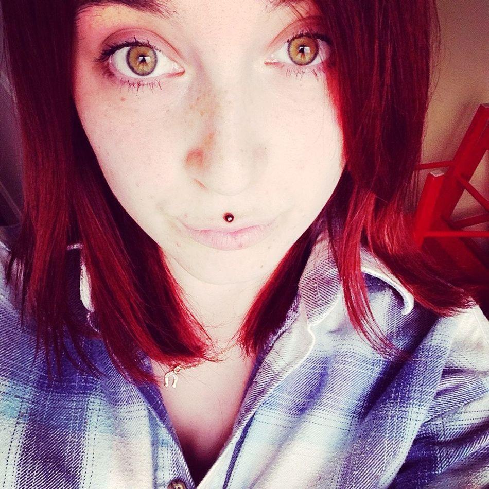 Lazy day, rainy day 👌🙈 Self Portrait Selfie Cool Taking Photos Relax Jacket Greeneyes Redhair Redhead Medusapiercing