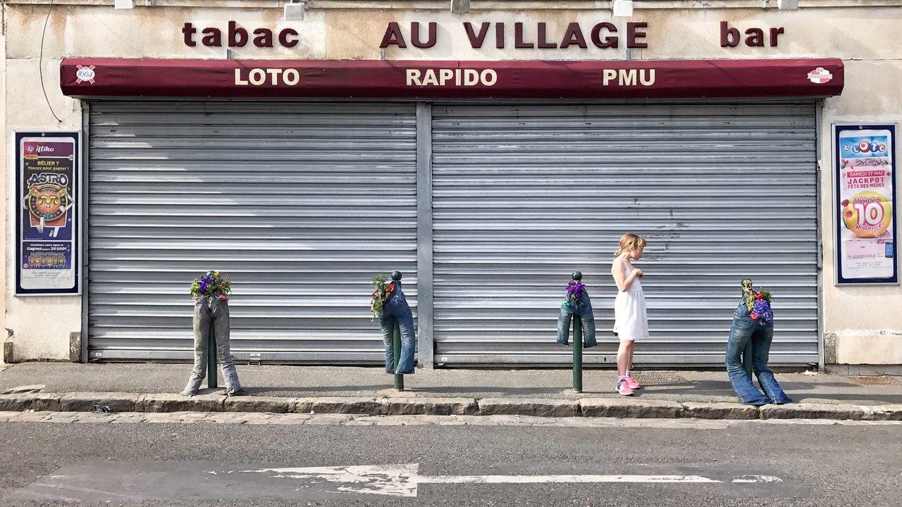 Bar Tabac Au Village 😀 Limours Suburb of Paris France Photooftheday Picoftheday Moment Street Streetphotography City EyeEmBestPics EyeEm IPhoneography EyeEm Best Shots Iphonephotography Iphoneonly Mobilephotography Outofthephone IPhotofr Jeans Lifestyles The Street Photographer - 2017 EyeEm Awards City Life