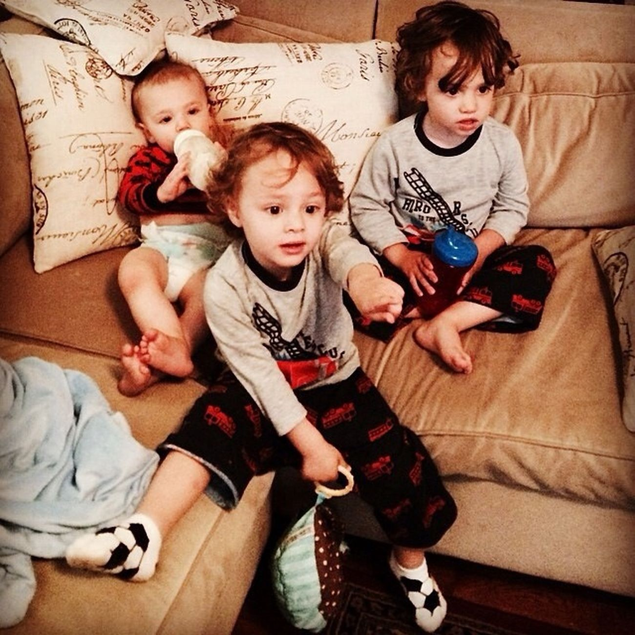 Hanging out on Saturday morning with the Saile boys BabyJoeySaile SaileTwins TheVille Streamzoofamily