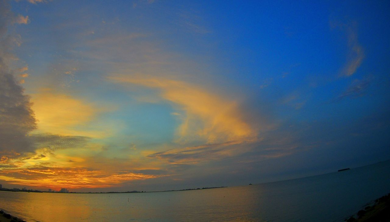 sunset, scenics, beauty in nature, tranquil scene, nature, water, tranquility, sky, sea, idyllic, no people, outdoors, cloud - sky, horizon over water, day
