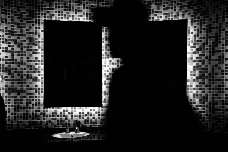 EyeEmNewHere Shadow And Light Blackandwhitephoto Monochrome Photography Personal Perspective EyeEm Streetphotography Black And White Street Photography Shadow Black Background Weekly Welcome Shadows & Lights Perspective Focus On Shadow Silhouette Black & White Photography IPhone IPhoneography IPhone Photography Iphoneonly Blured Moments Blurimage Blurred Motion Grainy Images