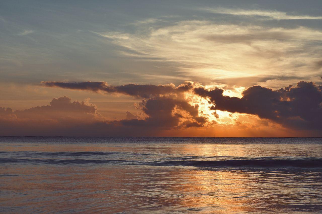 Diani Beach, Kenya. Sunrise. Beach Water Outdoors Landscape Dramatic Sky Travel Destinations Nature Wave Horizon Over Water Beauty In Nature Sky Sunrise Indian Ocean Diani Beach Ocean View VSCO EyeEm Best Shots Africa EyeEm Best Edits Adventure Ocean Kenya