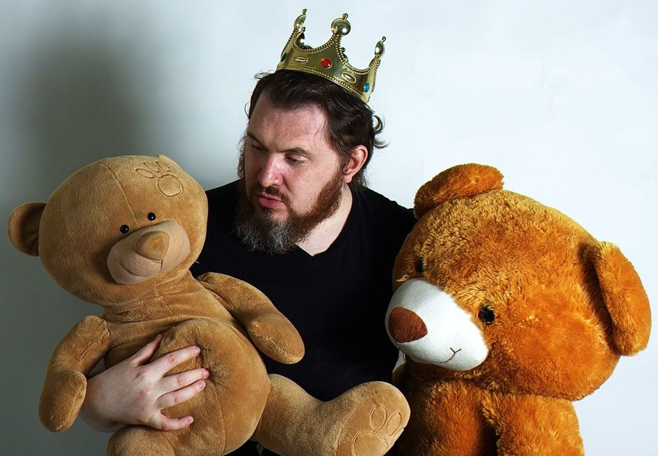 Beautiful stock photos of crowns, 30-34 Years, Animal Representation, Beard, Brown