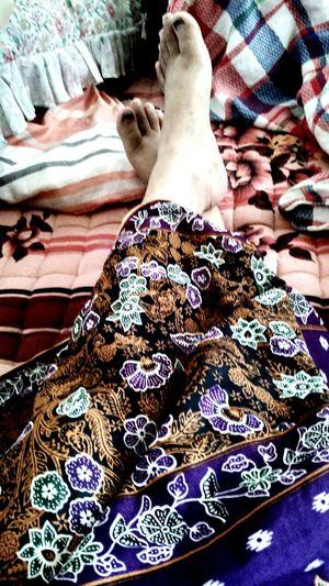 Good morning 😅 Hello World That's Me Enjoying Life Kampunghalaman Berkain Batik