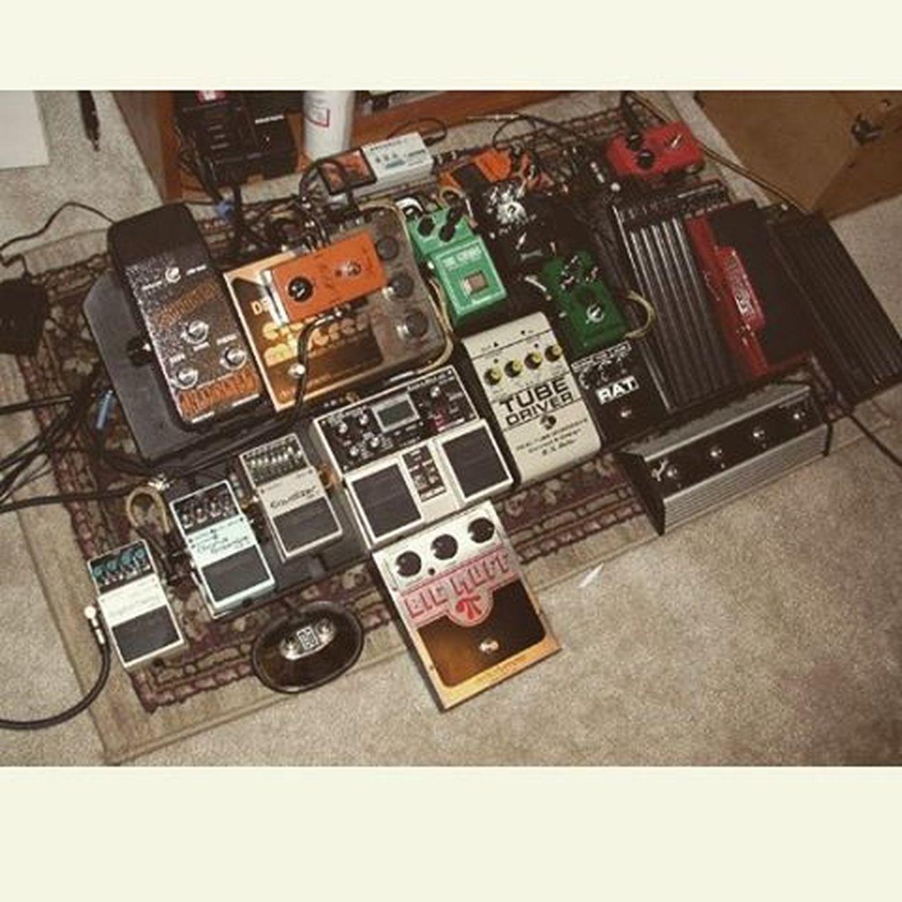 Rat's station Pedalboard Cablage Musoc Fender Gilmour BigMuff Procorat Fenderguitar Blackstrat Picoftheday Photooftheday