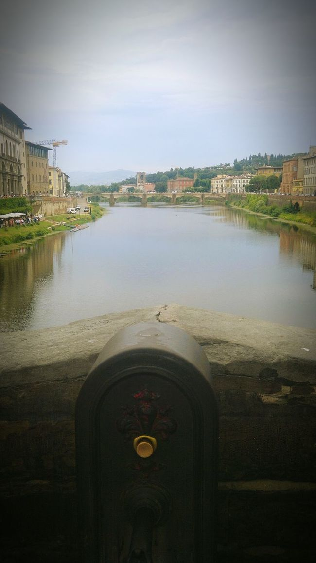 Arquitecture Arquitectura The Week On Eyem Viewofthecity Goodview Streetphotography Arteurope Colors Europe Europe Trip Italia Florence Italy Florence Arnoriverflorence Italy❤️ Italian Bridge Italy Photos Italy