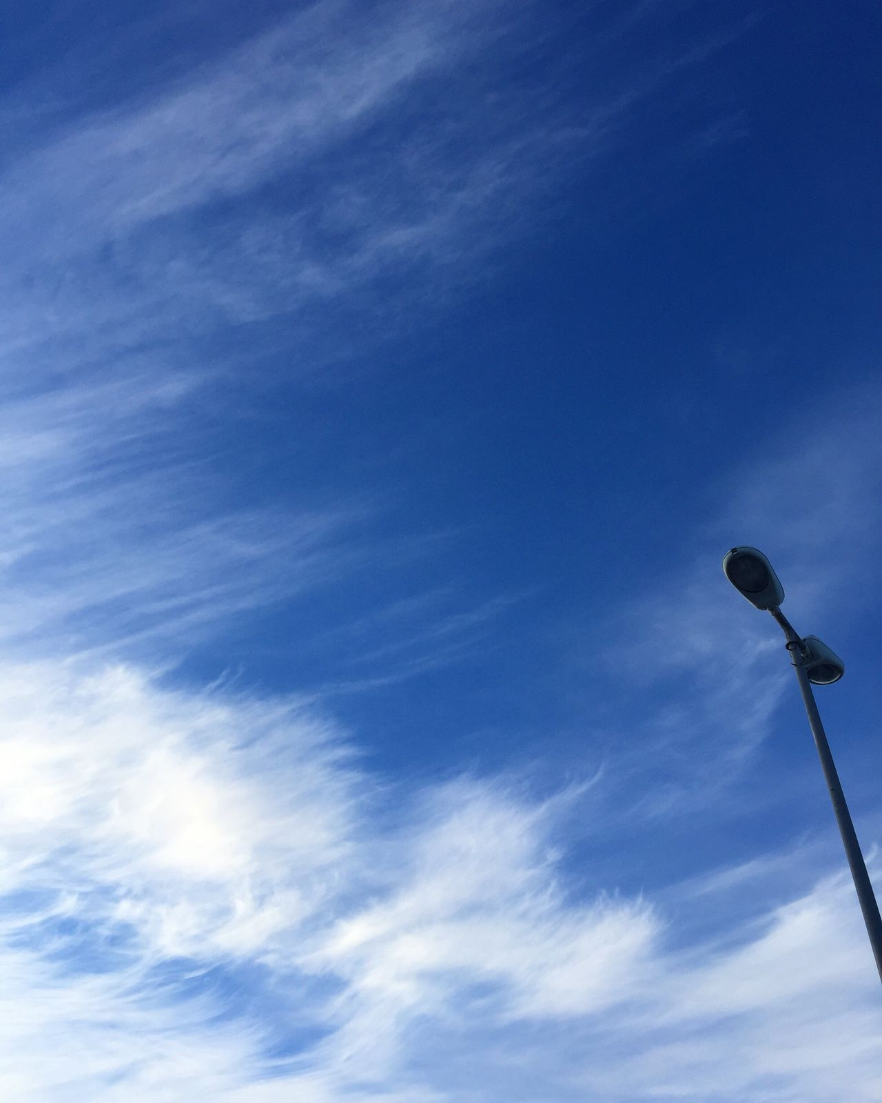 Cloud - Sky Sky Low Angle View No People Outdoors Minimalistic Minimalism_masters Minimalist Eyeemphotography Check This Out Minimalmood Minimal Minimalism Minimalobsession In Greece Tranquility Tranquil Scene Peaceful View Urban City Lamp