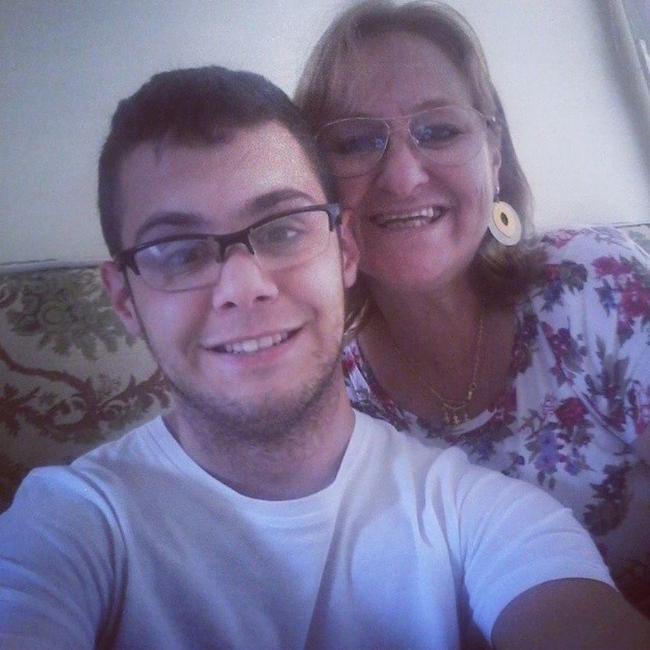 """""""Mãe, tanta coisa aconteceu.. Mãe, tanto tempo se passou e eu não sou mais um menino, eu cresci. Mãe, as lembranças me acompanham e eu tentei resistir e esquecer mas pensei, o que seria de mim sem ti.? Sem teu cuidar, sem teu carinho... Sem tua atenção estou sozinho, mamãe, não posso viver sem você.!"""" MãeEuTeAmo ."""