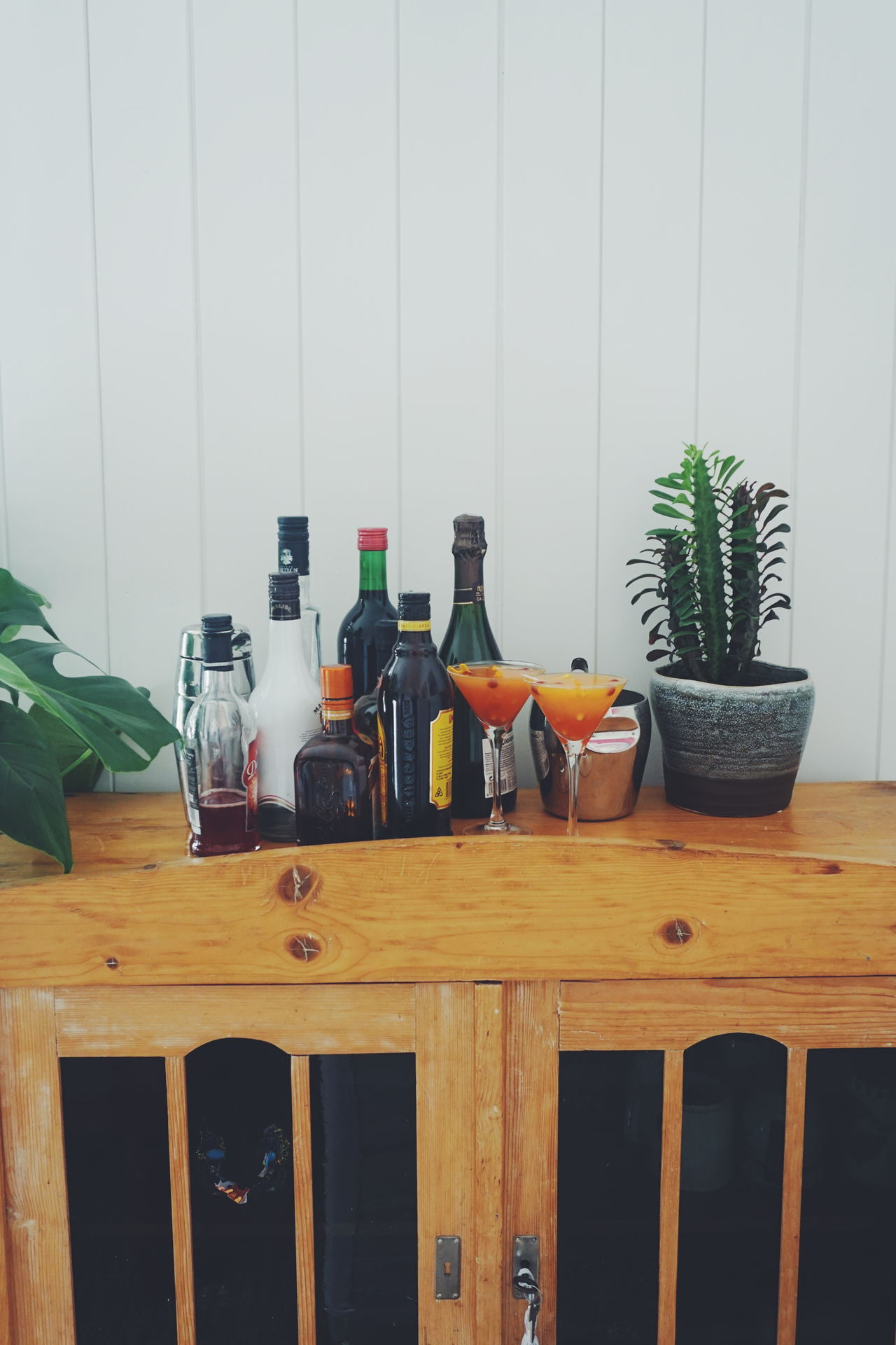 Alkohol bottles Alcohol Alcohol Bottles Alcoholic  Alcoholic Drink Bar Bottle Bottles Bottles Collection Cognac Day Drink Drinking Drinks Indoors  Interior Large Group Of Objects Liquor No People Wine