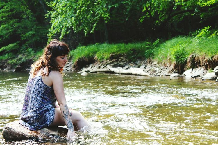 Beauty In Nature Tranquil Scene Lifestyles Water Outdoors Portrait Of A Woman Tree Beauty Leisure Activity Tranquility Nature The Portraitist - 2016 EyeEm Awards West Virginia Girlswithtattoos The Great Outdoors - 2016 EyeEm Awards