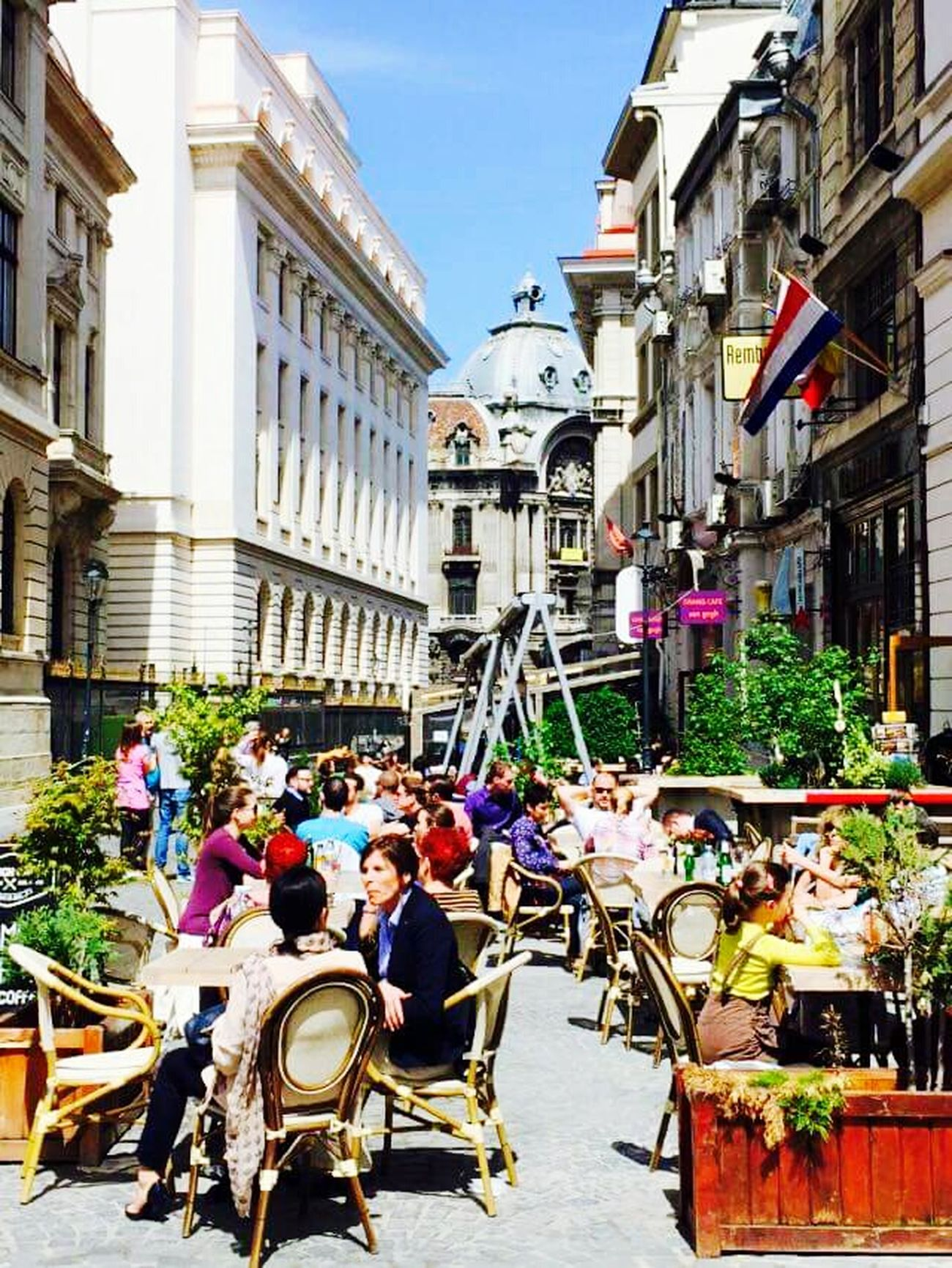 Streetphotography Enjoying The Sun Bucharest Hello World World Traveller Enjoying Life Solotraveler Globetrotting I Love Romania