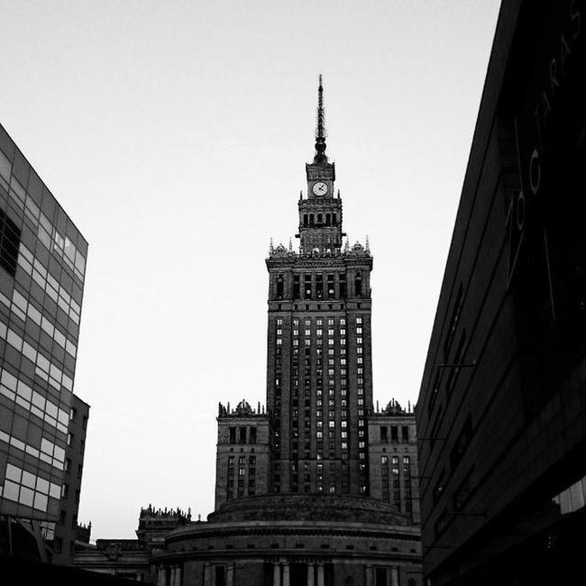 8.02 Warsaw Skywarsaw Palackultury Zlotetarasy Blackwhite Black White Sky L4l ICAN XPERIA Mobilephotography