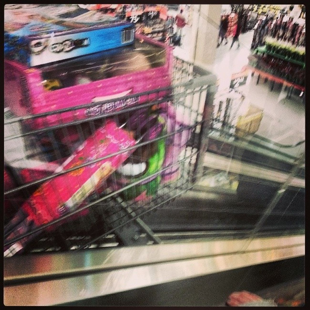 Who knew there was such a thing as escalators for shopping carts!! Impressed Christmasshopping Laughfortheday