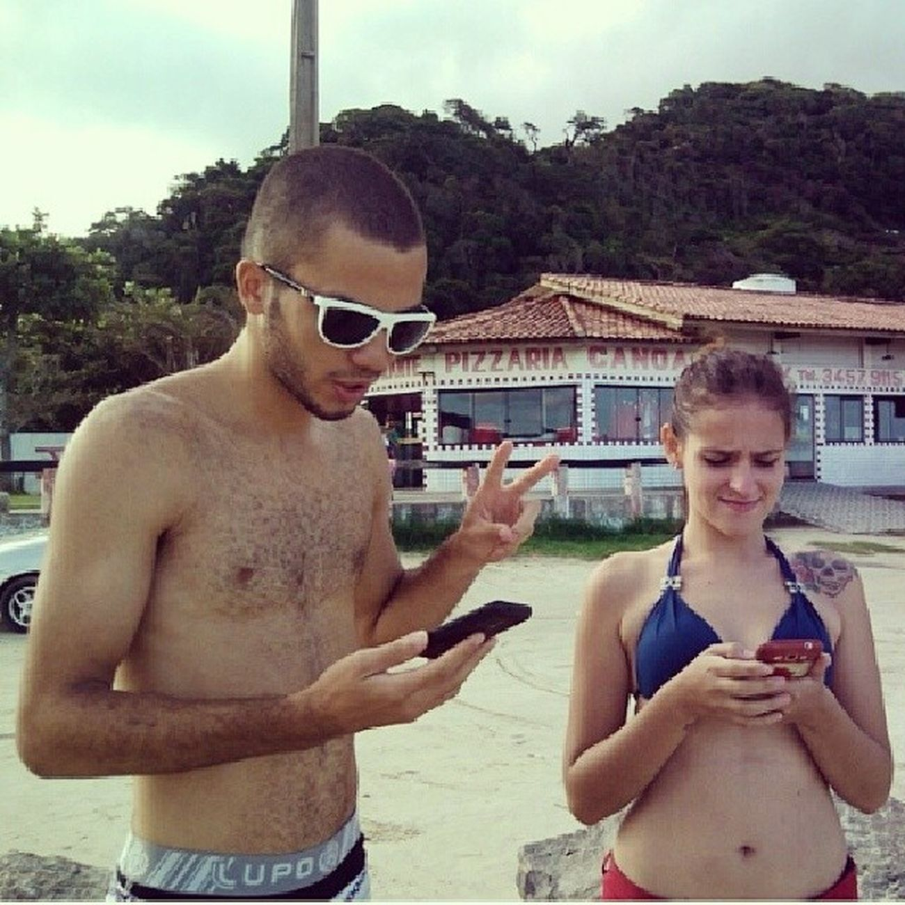Pausa para internetá hehe Atualizando Instapraia InstaSol Instagram facebook whatsapp todasessastecnologias