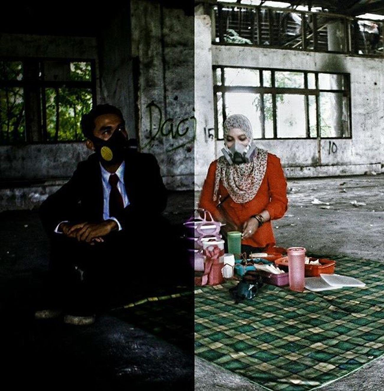 Juxtaposition of the roles of Men and Women Shot by : @uulpaik Urbanpicnic UrbanpicnicDMI Urbanpiknik Piknikurban Juxtaposition Urbanpeople Urbex Widelens Urbanexploration Picnic Piknik Gopro Streetshared Igdumai Igersriau Seputardumai Ketemusore VSCO Streetmoobs Vnarchy Mask Blackandwhite Halfhalf Fiftyfifty 5050