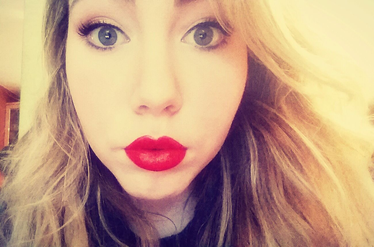 This is my Redlipstickselfie for the Bhf hope you like it! Red Lips Lipstick Bigeyes Donate Hello World Beautiful Green Eyes