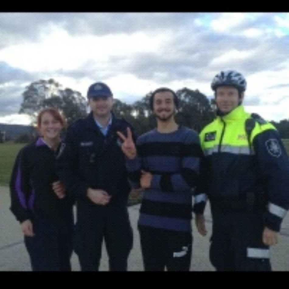 Meet some random policemen we found in Canberra :) Kangaa Canberraaa Ourcolourisbleck Straya