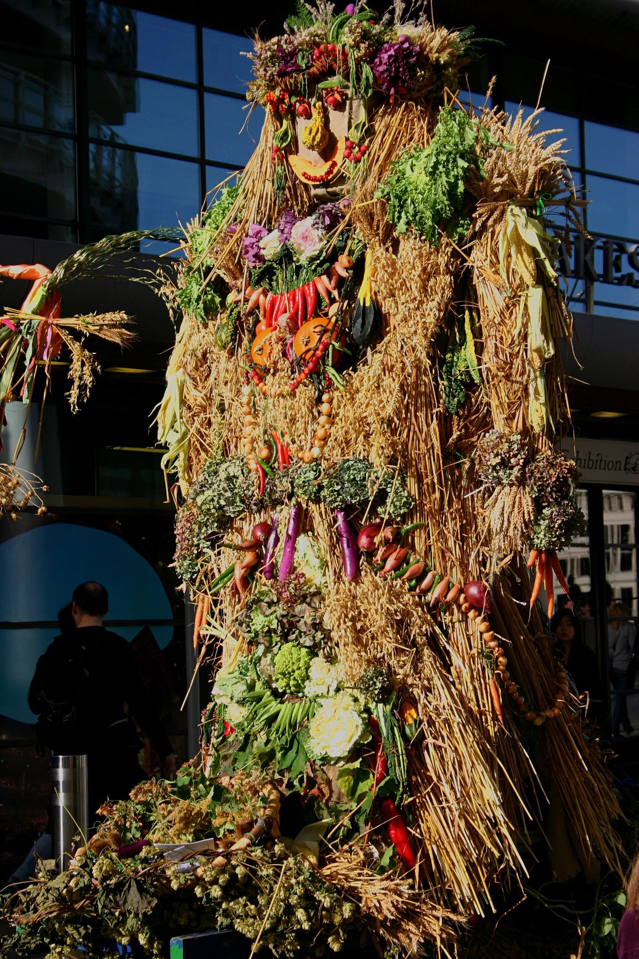 October Plenty London South Bank Autumn Harvest Celebration Corn Queene Effigy Walking In London Traditional Procession Abundant Fun