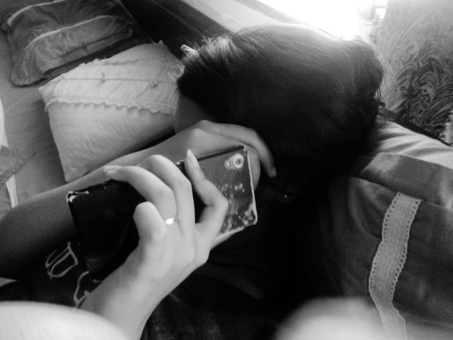 Relaxing Taking Photos Check This Out Enjoying Life Girl Girlpower Girl With A Phone Phone Hiding Hiding From The Camera Hidingface Hidingfromthecamera Hiding Face Black And White Photography Blackandwhite Photography Blackandwhitephotography Blackhair Blackgirl Black Hair Blackandwhite Black And White Black & White Black&white Blackwhite